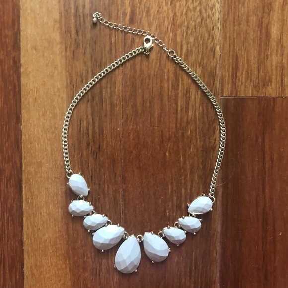 Forever 21 Jewelry - FOREVER21: Dusty pink necklace
